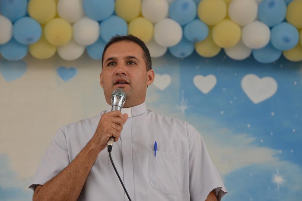 Um dos palestrante, Pe. Carlos Danilo